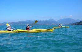 Ozean-Kajak-Fahrt in der Bucht von Paraty