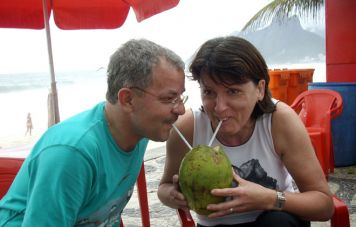 Anita und Joe Arminger am Strand von Ipanema