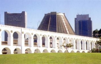 Arcos da Lapa Aquedukt vor der Catedral Metropolitana