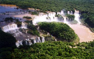 Luftaufnahme des Katarakts von Iguaçu