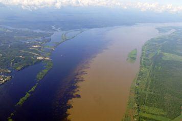 Encontro das Águas - Zusammenfluss des Rio Negro und des Rio Solimões