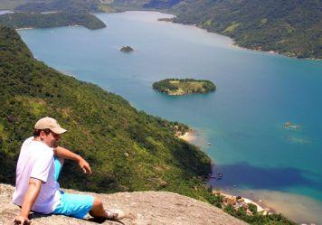 Auf dem Gipfel des Pico do Mamanguá