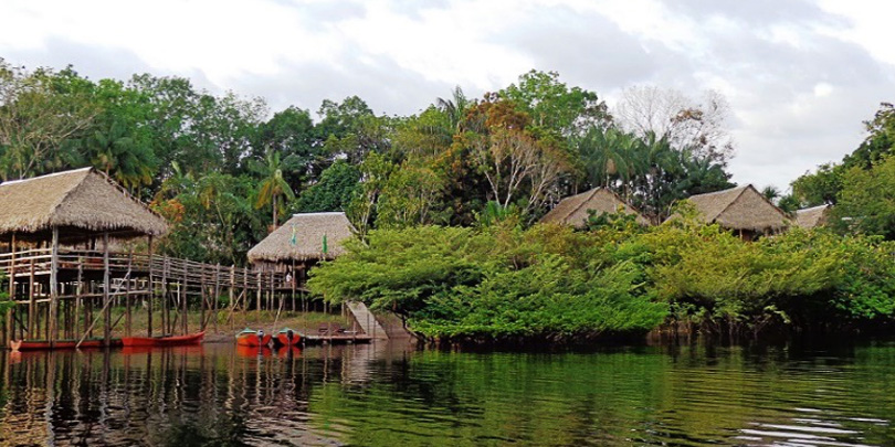 Dschungel-Lodge am Amazonas