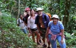 Wandern durch den Atlantischen Küsten-Regenwald