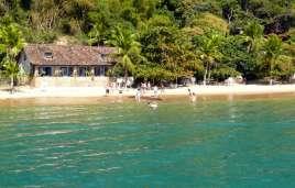 Strand an der Bucht von Paraty