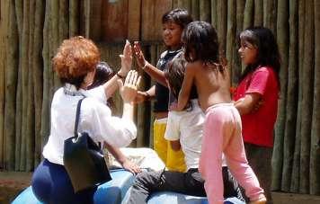 Bei den Guarani-Indios werden Freundschaft geschlossen werden