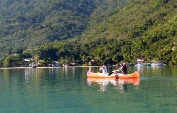 Kajak-Fahren in der Bucht von Mamanguá