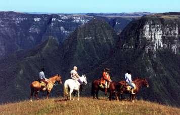 Die Cayamborá Canyons
